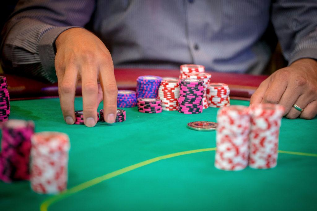 learning casino poker